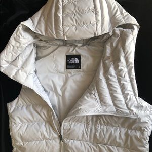 North Face Niche Hooded Down Vest New
